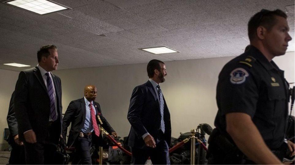 Ο Ντ. Τραμπ Τζούνιορ στη Γερουσία για να καταθέσει ξανά στην Επιτροπή Πληροφοριών