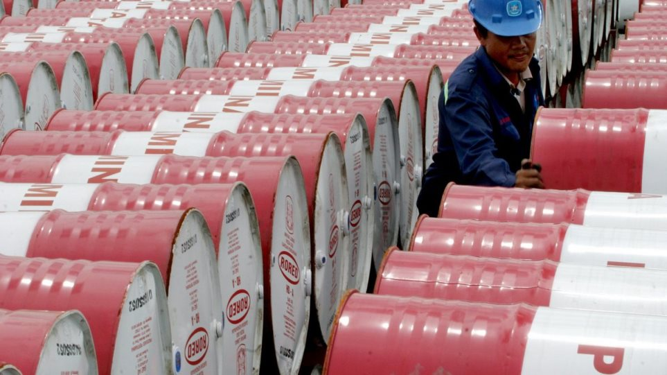 ΗΑΕ:  Η αγορά πετρελαίου θα ισορροπήσει το Α' τρίμηνο, δηλώνει ο υπουργός Ενέργειας