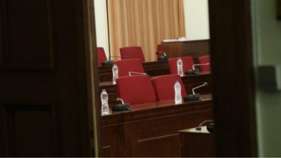 Άνοιξε η συζήτηση στην Επιτροπή Αναθεώρησης του Συντάγματος επί των άρθρων για την εκλογή του ΠτΔ και τα δημοψηφίσματα