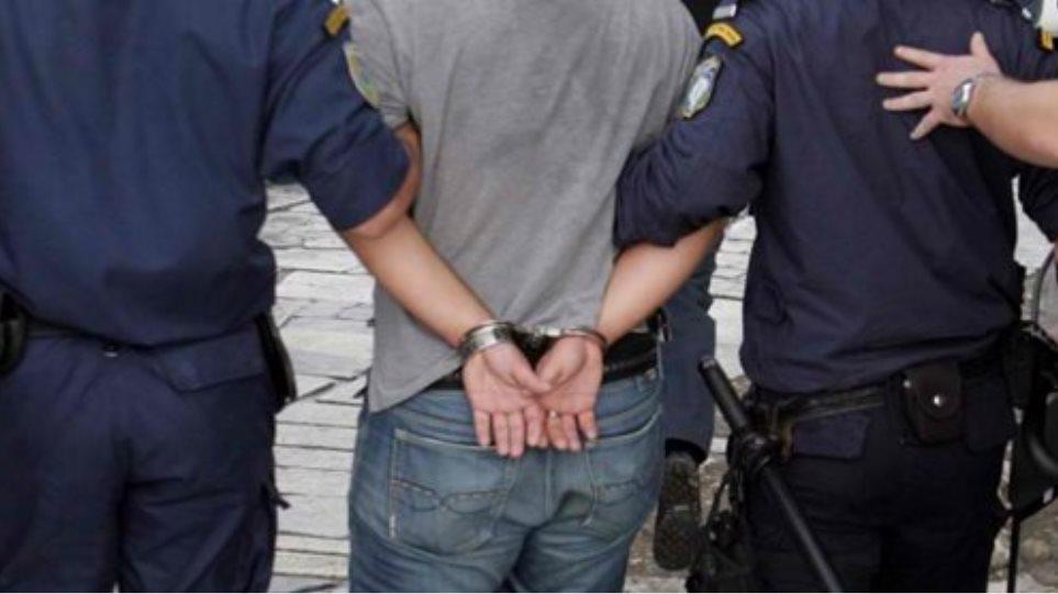 """Συνελήφθη 47χρονος, κατηγορούμενος για κατοχή και διακίνηση προϊόντων- """"μαϊμού"""""""